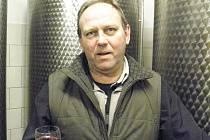 Vinař Stanislav Zůl podniká s vínem už bezmála dvacet let.