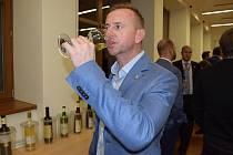 Salon vín.