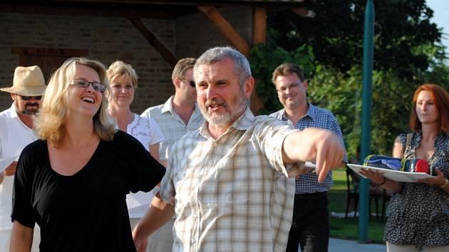Padesátiny oslavil v plné síle umělecký vedoucí souborů Břeclavan, Břeclavánek a mužského sboru ze Staré Břeclavi František Blažek.