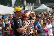 Slavnosti břeclavského piva přilákaly do podzámčí tisíce návštěvníků.