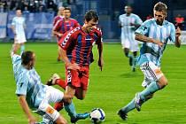 Jaroslav Diviš v zápase se Slovanem Bratislava.