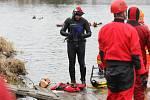 Letošní ročník akce zvané Vánoční kilometr, kterého se v hlavním klání účastní závodní plavci, se konal už po sedmatřicáté.