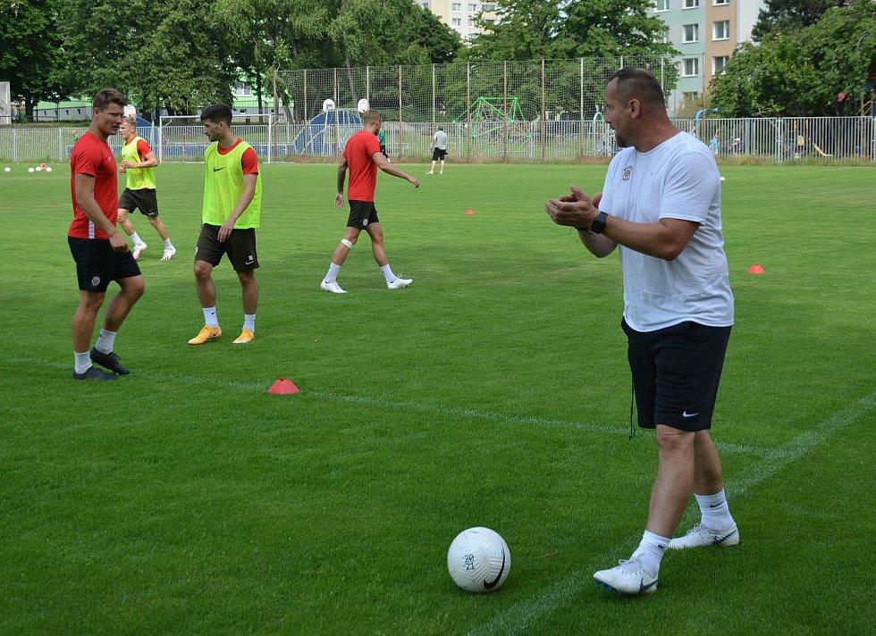 Trenér Jozef Dojčan zamířil z Lanžhota do Zbrojovky Brno, kde bude zastávat pozici asistenta kouč Richarda Dostálka.