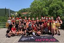Mažoretky Zuzanky z Týnce zářily na mistrovství Evropy v chorvatské Crikvenici. Zlatou medaili obhájily v kategorii Grand senior stage s třásněmi.