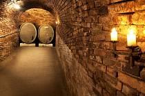 Možnost poznat původní habánské sklepy se v létě otevírá zájemcům ve Velkých Bílovicích. Postavili je před čtyřmi staletími Habáni, kteří si na Moravě získali respekt jako zruční řemeslníci a vynikající vinaři.