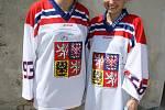 Víkendová dražba podepsaných hokejových dresů vynesla do pokladny fondu v případě Jakuba Voráčka deset tisíc a Jaromíra Jágra dvacet tisíc korun.