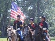 Několik stovek natěšených návštěvníků přilákal sobotní Den koní v Lanžhotě. Pestrý několikahodinový program s vozatajskými závody, kaskadéry v sedlech a dalšími lákadly připravil spolek Koňské stezky Podluží. Už pošesté.