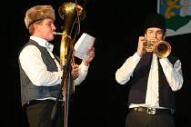 """Víkend patřil v Kulturním domě """"Na obecní"""" ve Staré Břeclavi přehlídce Hudecké dny. Dvoudenní program devětadvacátého ročníku zaplnily folklorní soubory z celého Slovácka."""