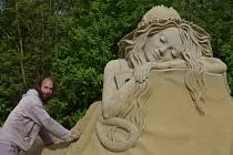 Sochy z písku, jejichž letošním tématem je fantasie a surrealismus, si lidé mohou v Lednici prohlédnout denně od  9:00 do 18:00 hodin.