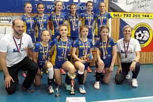 Mladší žákyně Lokomotivy Břeclav získaly stříbro na mistrovství republiky.