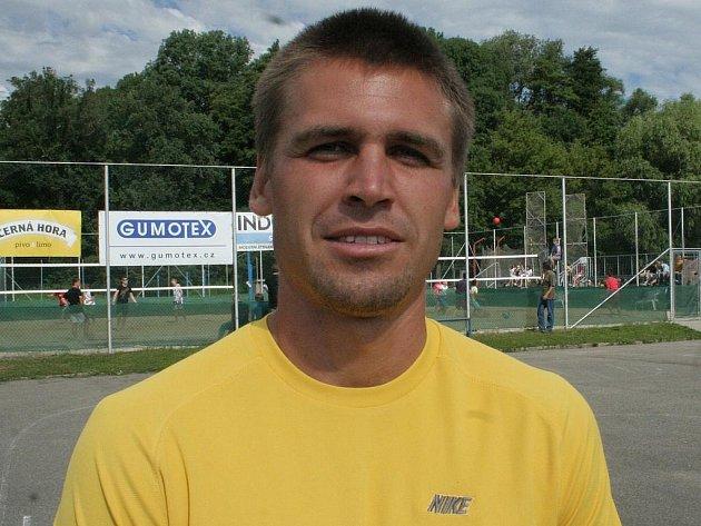 Adama Formánka můžete nejčastěji potkat na atletickém ovále břeclavské Lokomotivy.