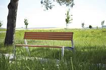 V Mikulově se zjara objeví nové lavičky.