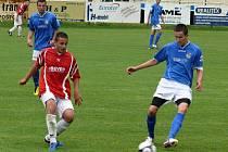 Josef Nešpor (vpravo) v utkání s Bořticemi neproměnil penaltu. Ilustrační foto