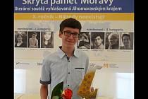 Vítězem literární soutěže Skrytá paměť Moravy se stal Matyáš Kyncl z hustopečského gymnázia. Se svou povídkou Achiles a želva zastínil všechny ostatní autory z celé republiky.