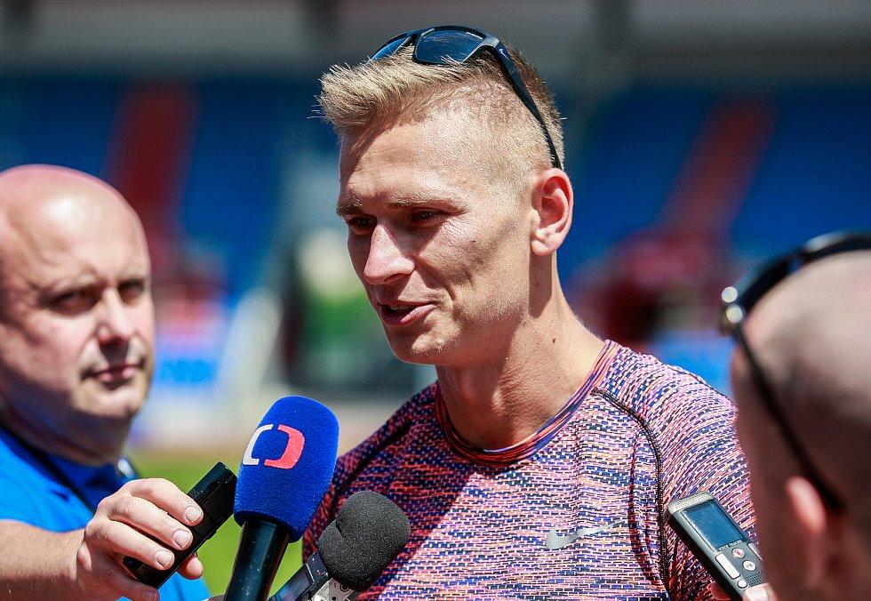Tiskovka ke Zlaté tretře v roce 2018 - hostem skokan do dálky Radek Juška