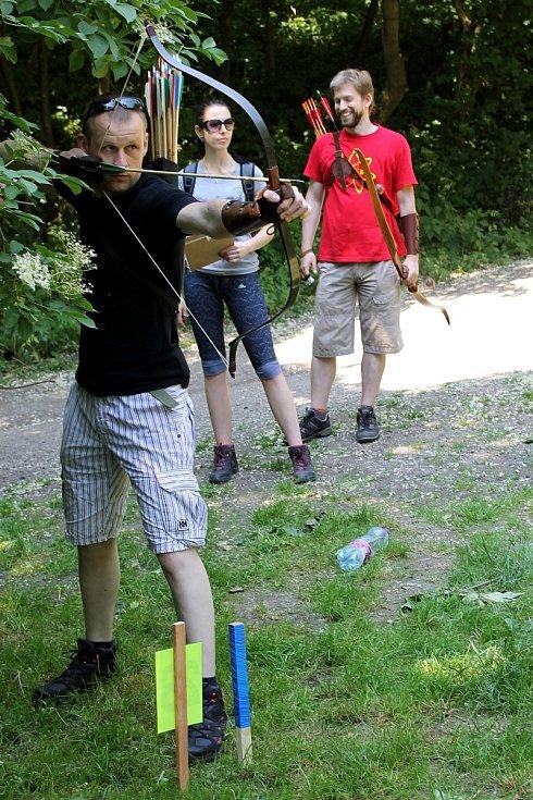 Pod Sirotčím Hrádkem u Klentnice se konal poprvé v historii turnaj ve 3D lukostřelbě. Pořádal ho klub ze Střelnice pod Pálavou.