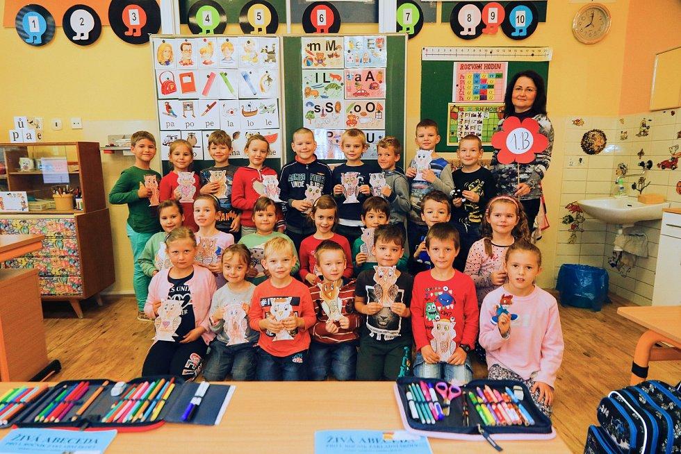 Žáky 1. B třídy základní školy Hustopeče v Nádražní ulici učí Jana Pavláčková.
