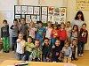 Žáci 1.B na základní škole v břeclavské městské části Poštorná s třídní učitelkou Hanou Zajícovou.
