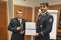 Policejní prezident Jan Švejdar ocenil statečného nadstrážmistra Tomáše Homolu z Mikulova.