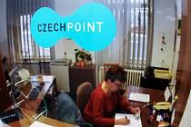Kontaktní místa Czech Point mají lidem přiblížit úřady.