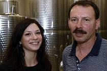 Třiapadesátiletý Jan Balga založil společnost BMVína v roce 2010. Vinařství se ovšem věnuje už od mládí, kdy práci sledoval u otce. Momentálně pracuje společně s dcerou Nicol.