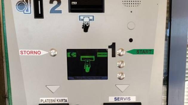 Nový platební terminál v břeclavské nemocnici.