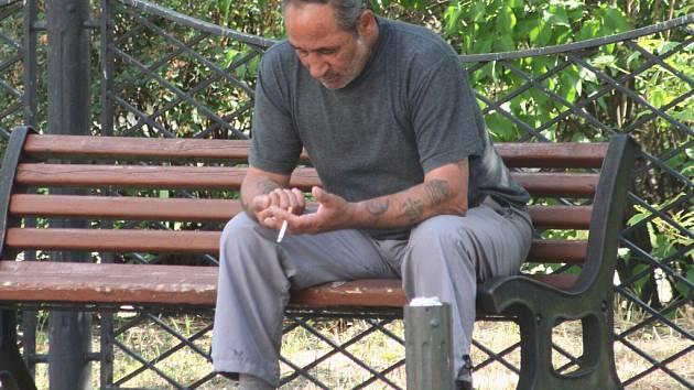 většina kuřáků své rituály nezměnila.