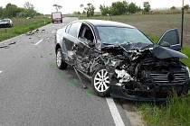 c0e8df4700c Po nehodě dvou aut mezi Velkými Bílovicemi a Rakvicemi-Trkmanicemi hasiči  vyprostili mladou ženu z