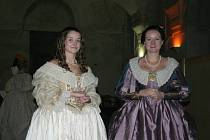 Dobové kostýmy putovaly až ze Španělska a Francie.
