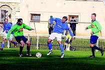 Krajský přebor: Sokol Podluží (v zelené) vs. 1. FC Kyjov