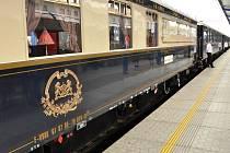 Legendární Orient Express se objevil v břeclavské železniční stanici.
