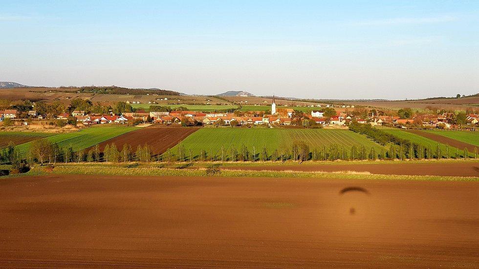 Letecký pohled na Nový Přerov s Mikulovem.