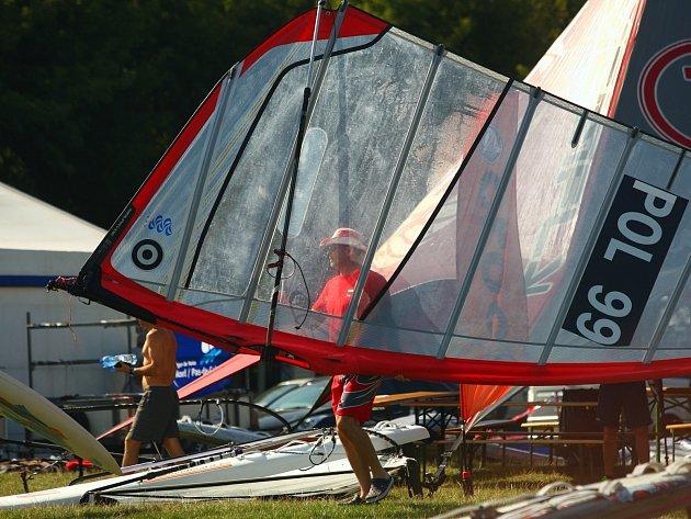 Mistrovství světa ve windsurfingu na novomlýnských nádržích.