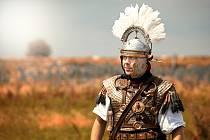 Léto v Bráně do Římské říše na mušovském Hradisku zahájila ukázka ze života a výcviku legií.