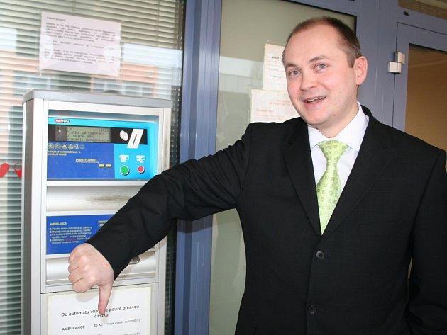 Hejtman Hašek dal vale automatům na poplatky.