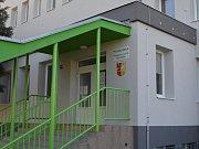 Poliklinika má zateplenou fasádu i nové kotle.