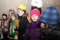 I v Sedleci zpívali lidé společně koledy. Děti přišly v kostýmech.