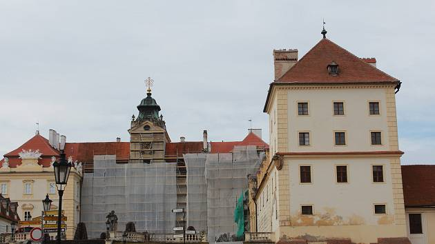 Opravy střechy a vnějšího opláštění valtického zámku vyjdou na sto dvacet milionů korun.