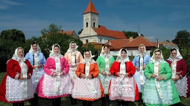 Ženský sbor z Dolních Dunajovic letos slaví desáté výročí od svého založení.