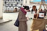 Na náměstí v Mikulově lidé sehnali drobné starožitnosti i kus vepřového.