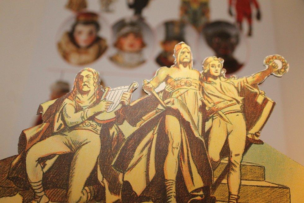Valtický zámek láká na výstavu loutkového divadla.