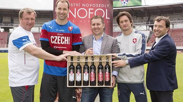 Vinařství Vinofol z Novosedel na Břeclavsku vytvořilo speciální kolekci vín spjatou s českou reprezentací startující na fotbalovém EURO 2016.