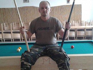 Zdeněk Matějka z Nového Přerova dal dohromady kulečníkový stůl ze zápalek.
