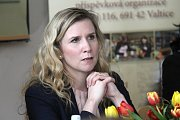 Střední vinařskou školu ve Valticích navštívila ve čtvrtek ministryně školství Kateřina Valachová. S vedením školy řešila podporu vinařských oborů, diskutovala i se studenty.