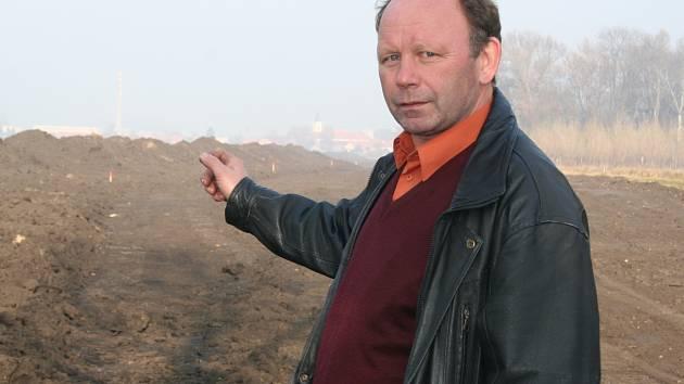 Bývalý novosedelský starosta František Trefilík, u kterého začal kolotoč s funkcemi. Nyní zaujal jeho místo Adam Hrůza.