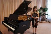 Ve hře na smyčcové nástroje letos zazářila třináctiletá houslistka Marie Hasoňová z Dolních Dunajovic.