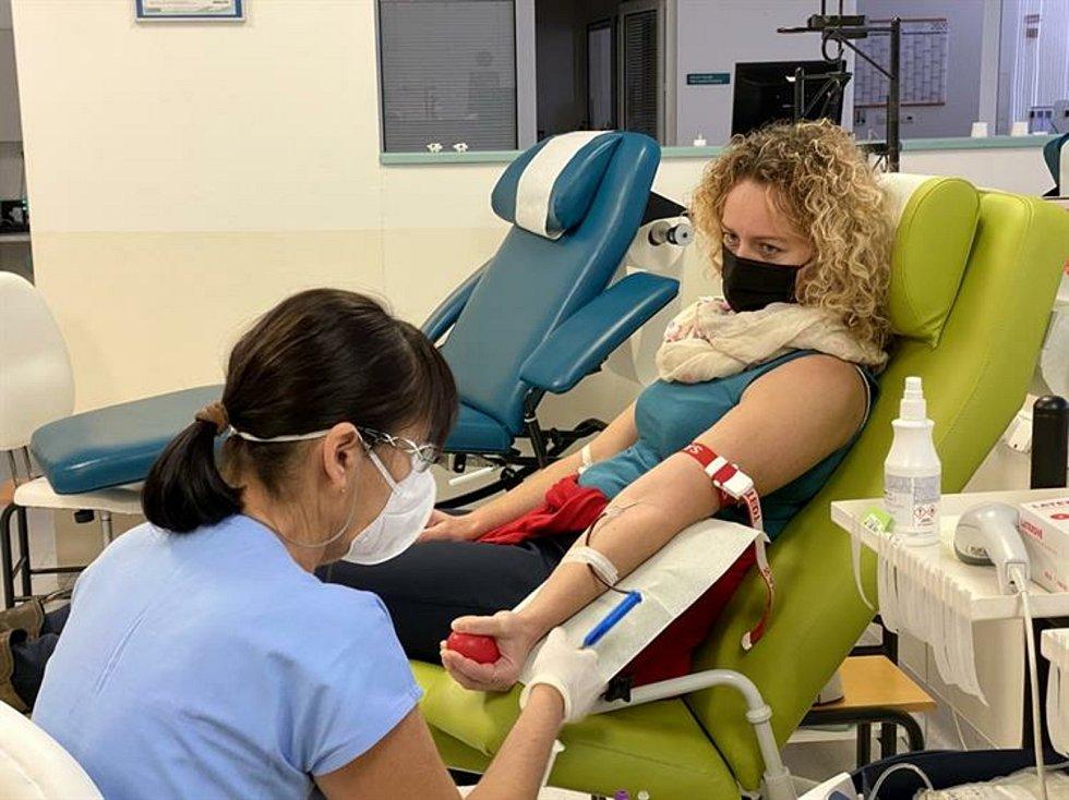 Úředníci z hustopečské radnice minulý týden zamířili do brněnské fakultní nemocnice, aby tam hromadně darovali krev.