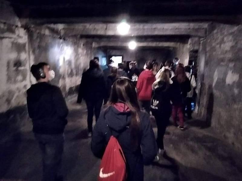Osmáci a deváťáci z Tvrdonic na exkurzi v Osvětimi.