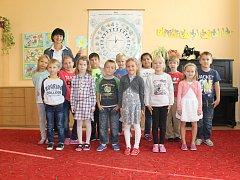 Žáci 1.B ze ZŠ a MŠ Břeclav, Kupkova 1 s paní učitelkou Bohumilou Balgovou.