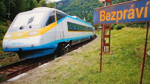 Stávající nezrekonstruovaný koridor mezi Chocní a Ústím nad Orlicí